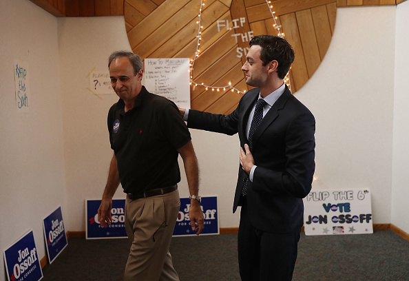 父の日「Democratic Congressional Candidate In Georgia's Special Election Jon Ossoff Campaigns In Georgia」:写真・画像(10)[壁紙.com]