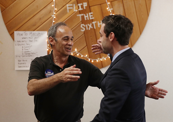 父の日「Democratic Congressional Candidate In Georgia's Special Election Jon Ossoff Campaigns In Georgia」:写真・画像(11)[壁紙.com]
