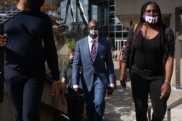 Georgia - US State「Democratic Senate Candidate Rev. Raphael Warnock Casts Early Vote In Atlanta」:写真・画像(3)[壁紙.com]