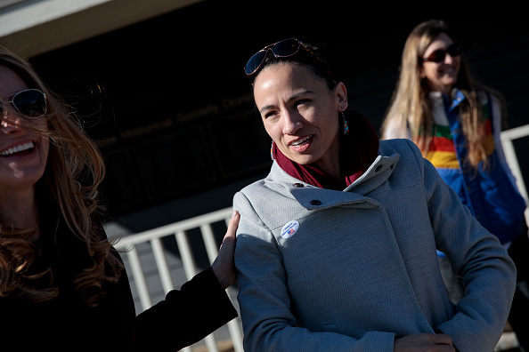Sharice Davids「Kansas Congressional Candidate Sharice Davids Casts Her Vote In Midterm Election」:写真・画像(8)[壁紙.com]
