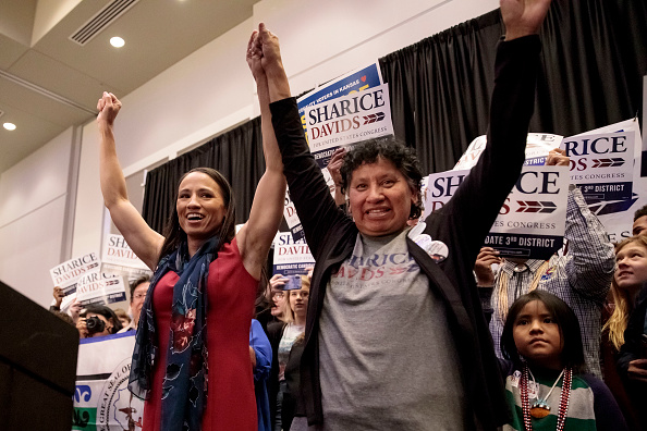 Sharice Davids「Kansas Congressional Candidate Sharice Davids' Holds Election Night Party In Olathe, Kansas」:写真・画像(10)[壁紙.com]
