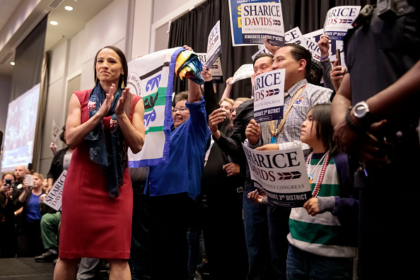 Sharice Davids「Kansas Congressional Candidate Sharice Davids' Holds Election Night Party In Olathe, Kansas」:写真・画像(12)[壁紙.com]