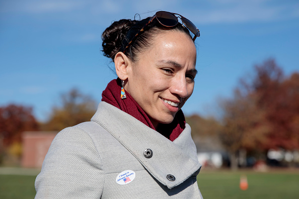 Sharice Davids「Kansas Congressional Candidate Sharice Davids Casts Her Vote In Midterm Election」:写真・画像(1)[壁紙.com]