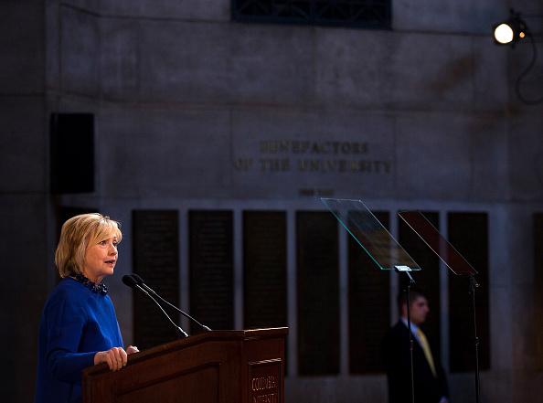 Incidental People「Hillary Clinton Speaks To Forum At Columbia University In New York」:写真・画像(8)[壁紙.com]