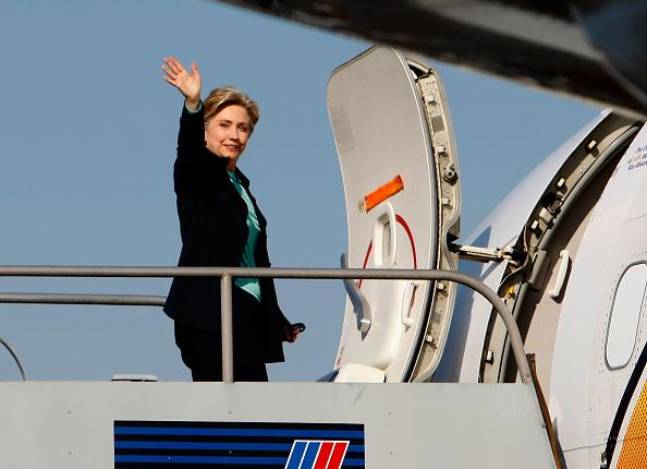 Super Tuesday「Hillary Clinton Campaigns Ahead Of Super Tuesday」:写真・画像(0)[壁紙.com]