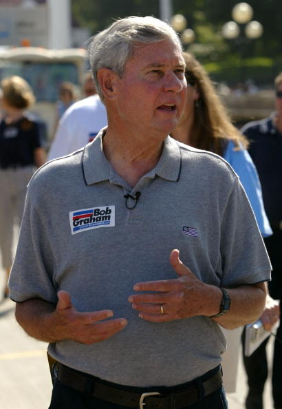 Politics and Government「Bob Graham Campaigns At Iowa State Fair」:写真・画像(8)[壁紙.com]