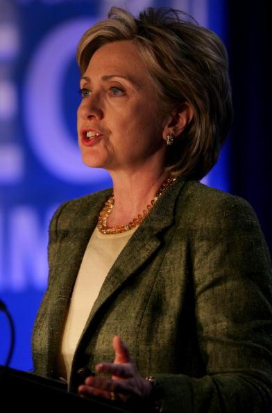 Justin Sullivan「Hillary Clinton Addresses Silicon Valley Leaders」:写真・画像(13)[壁紙.com]