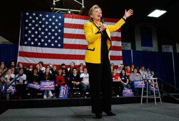 Super Tuesday「Hillary Clinton Campaigns Ahead Of Super Tuesday」:写真・画像(17)[壁紙.com]