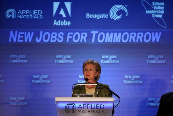Justin Sullivan「Hillary Clinton Addresses Silicon Valley Leaders」:写真・画像(10)[壁紙.com]