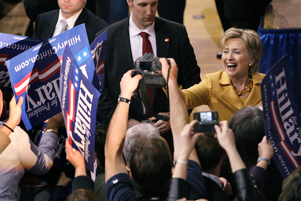 Support「Hillary Clinton Campaigns In Indiana」:写真・画像(13)[壁紙.com]