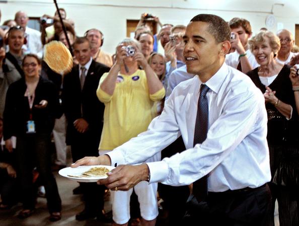 Breakfast「Barack Obama Campaigns Ahead Of Last Primaries Of 2008 Election」:写真・画像(0)[壁紙.com]