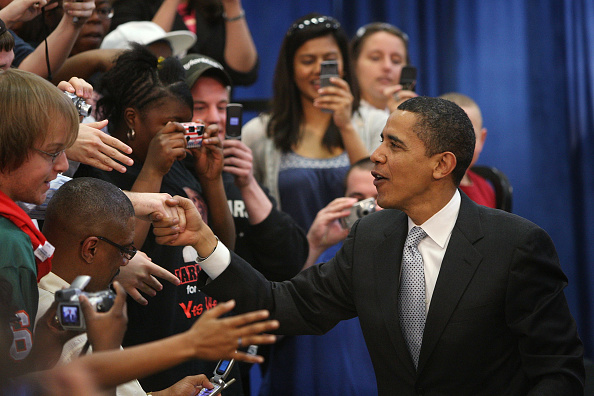 Support「Barack Obama Campaigns In Remaining Primary States」:写真・画像(10)[壁紙.com]