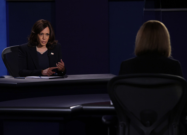 Participant「Mike Pence And Kamala Harris Take Part In Vice Presidential Debate」:写真・画像(8)[壁紙.com]