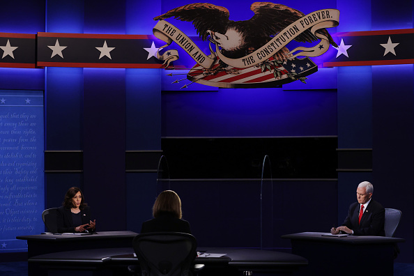Participant「Mike Pence And Kamala Harris Take Part In Vice Presidential Debate」:写真・画像(10)[壁紙.com]