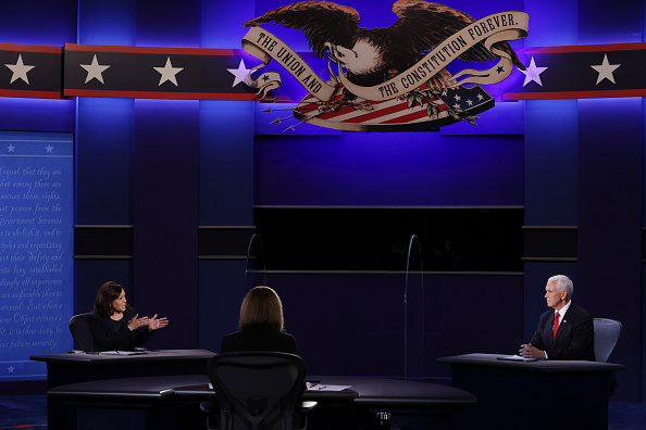 Participant「Mike Pence And Kamala Harris Take Part In Vice Presidential Debate」:写真・画像(9)[壁紙.com]