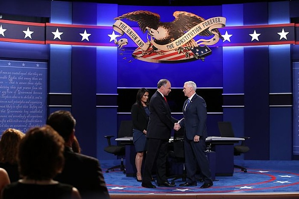Timothy Kaine「Vice Presidential Debate Between Gov. Mike Pence And Sen. Tim Kaine」:写真・画像(9)[壁紙.com]