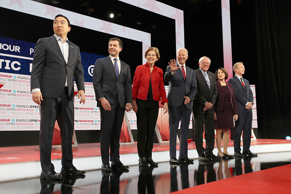 Debate「Democratic Presidential Candidates Participate In Last Debate Of 2019」:写真・画像(14)[壁紙.com]