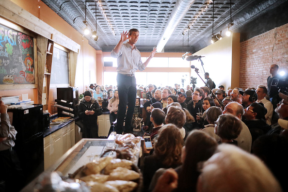 Chip Somodevilla「Beto O'Rourke Begins First Campaign Swing In Iowa As A Presidential Candidate」:写真・画像(12)[壁紙.com]