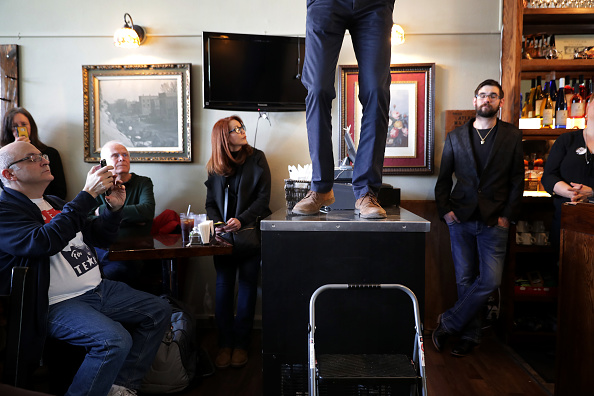 Chip Somodevilla「Beto O'Rourke Begins First Campaign Swing In Iowa As A Presidential Candidate」:写真・画像(11)[壁紙.com]