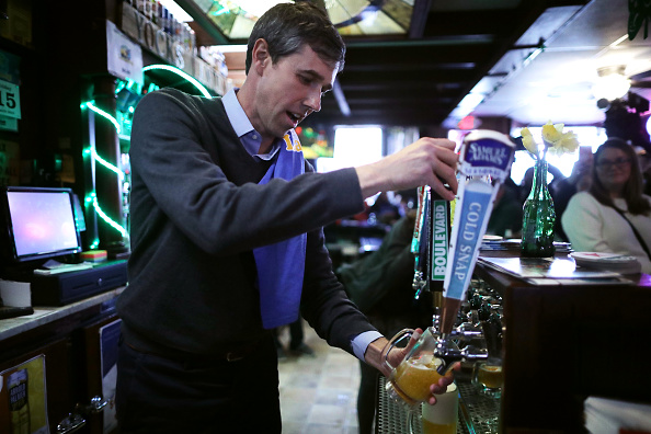 Chip Somodevilla「Beto O'Rourke Begins First Campaign Swing In Iowa As A Presidential Candidate」:写真・画像(10)[壁紙.com]