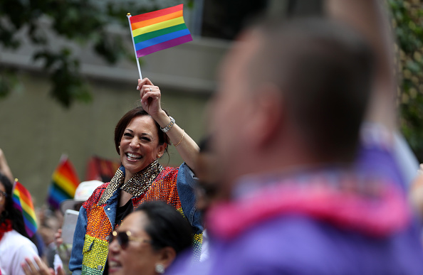 Social Issues「Kamala Harris Participates In San Francisco's Annual Pride Parade」:写真・画像(13)[壁紙.com]
