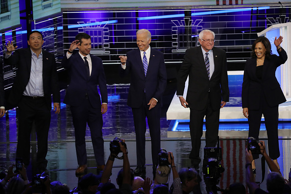 Democracy「Democratic Presidential Candidates Participate In First Debate Of 2020 Election Over Two Nights」:写真・画像(16)[壁紙.com]