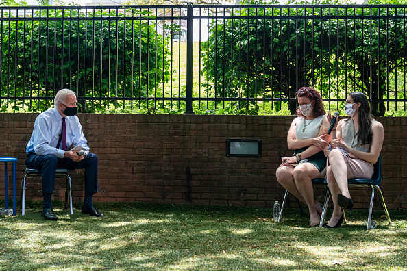 Joshua Roberts「Presidential Candidate Joe Biden Speaks In Lancaster On Health Care」:写真・画像(11)[壁紙.com]