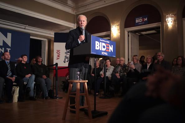 Scott Olson「Democratic Presidential Candidate Joe Biden Campaigns  To Iowa」:写真・画像(11)[壁紙.com]