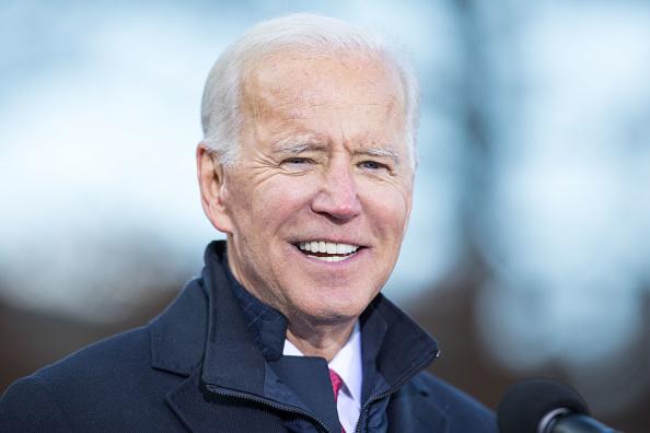 Headshot「Presidential Candidate Joe Biden Files Paperwork For New Hampshire Primary」:写真・画像(5)[壁紙.com]