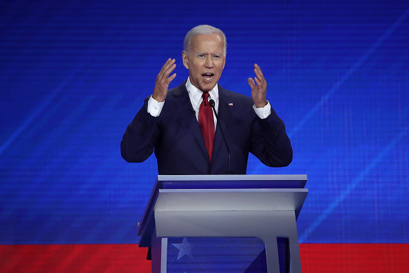 Debate「Democratic Presidential Candidates Participate In Third Debate In Houston」:写真・画像(18)[壁紙.com]