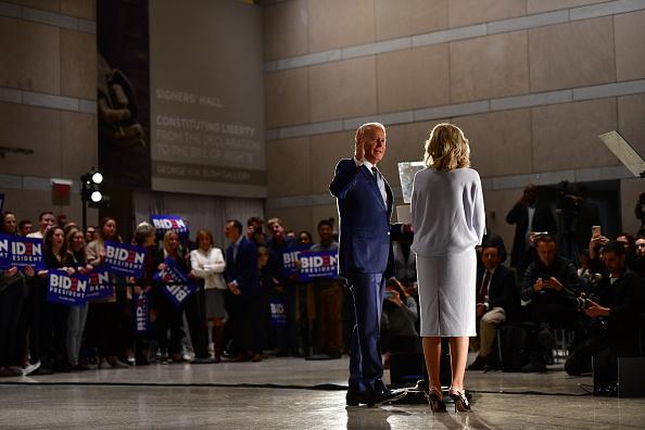 Philadelphia - Pennsylvania「Presidential Candidate Joe Biden Makes Primary Night Remarks In Philadelphia」:写真・画像(4)[壁紙.com]