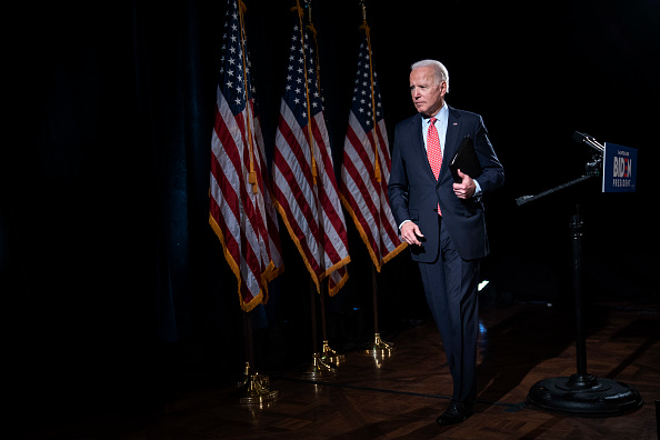 Lectern「Candidate Joe Biden Delivers Remarks On Coronavirus Outbreak」:写真・画像(11)[壁紙.com]