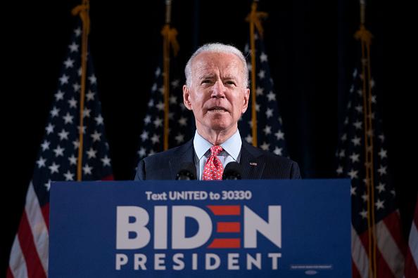 米国大統領選挙「Candidate Joe Biden Delivers Remarks On Coronavirus Outbreak」:写真・画像(2)[壁紙.com]