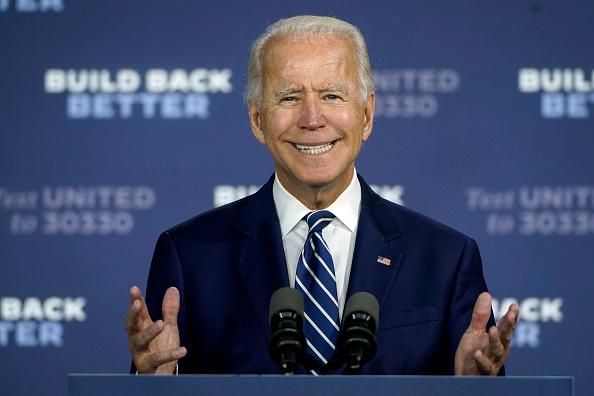 1人「Democratic Presidential Candidate Joe Biden Speaks On His Economic Recovery Plan in Delaware」:写真・画像(3)[壁紙.com]