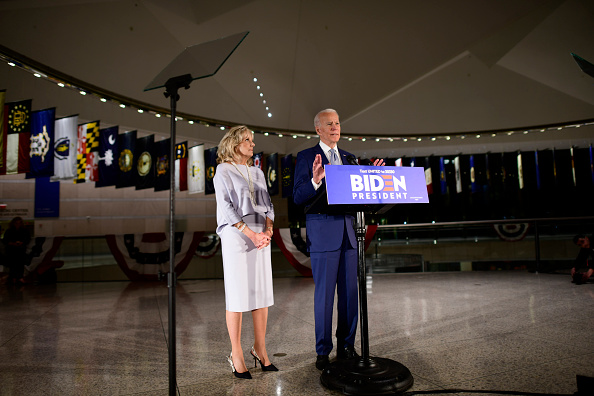 Philadelphia - Pennsylvania「Presidential Candidate Joe Biden Makes Primary Night Remarks In Philadelphia」:写真・画像(17)[壁紙.com]