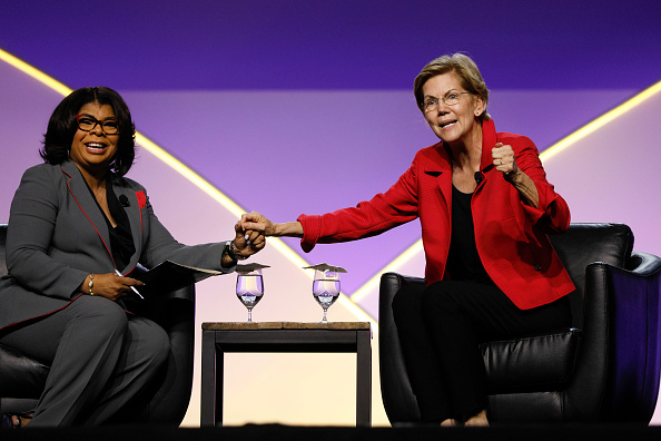 NAACP「Lawmakers And Presidential Candidates Attend NAACP National Convention」:写真・画像(5)[壁紙.com]