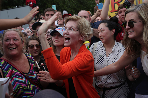 Alex Wong「Presidential Candidates Hit The Soapbox At The Iowa State Fair」:写真・画像(14)[壁紙.com]