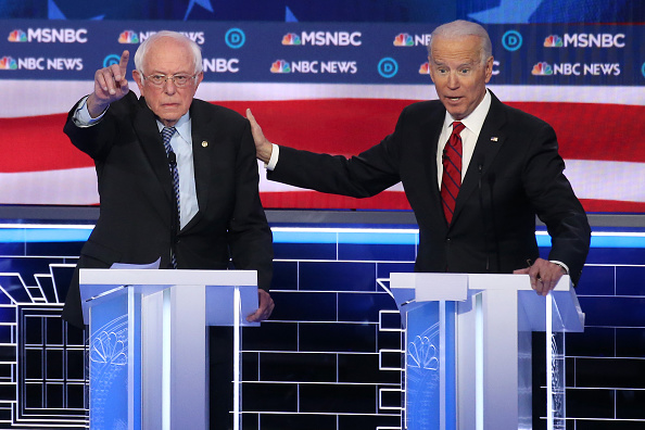Debate「Democratic Presidential Candidates Debate In Las Vegas Ahead Of Nevada Caucuses」:写真・画像(5)[壁紙.com]
