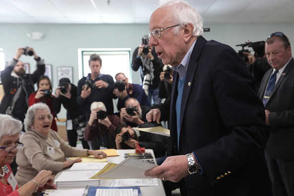 Super Tuesday「Presidential Candidate Bernie Sanders Votes In Vermont Primary On Super Tuesday」:写真・画像(6)[壁紙.com]