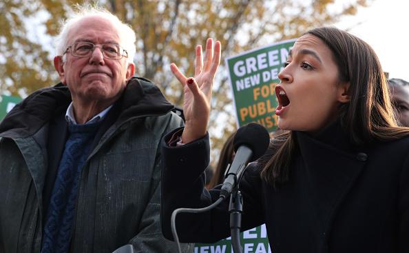 Alexandria Ocasio-Cortez「Sen. Bernie Sanders And Rep. Alexandria Ocasio-Cortez Introduce Housing Green New Deal」:写真・画像(8)[壁紙.com]