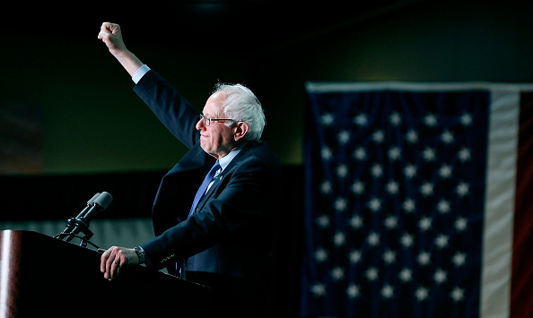 Bernie Sanders「Presidential Candidate Bernie Sanders Holds Primary Night Rally In Phoenix, Arizona」:写真・画像(8)[壁紙.com]