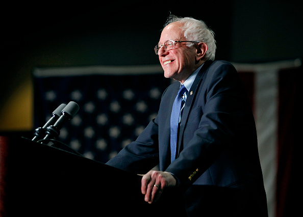 Bernie Sanders「Presidential Candidate Bernie Sanders Holds Primary Night Rally In Phoenix, Arizona」:写真・画像(16)[壁紙.com]