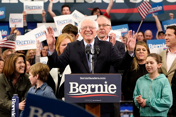 Manchester - New Hampshire「Presidential Candidate Bernie Sanders Holds NH Primary Night Event In Manchester」:写真・画像(11)[壁紙.com]