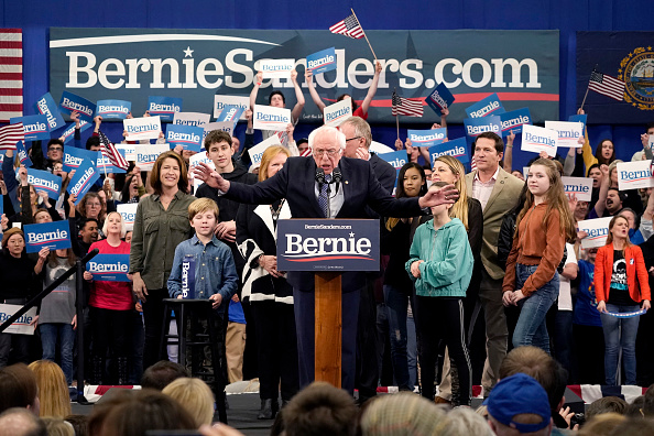Manchester - New Hampshire「Presidential Candidate Bernie Sanders Holds NH Primary Night Event In Manchester」:写真・画像(15)[壁紙.com]