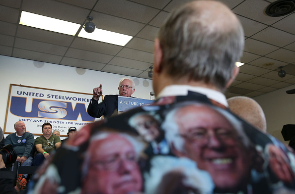 Labor Union「Democratic Presidential Candidate Bernie Sanders Meets With Local Steelworkers Union」:写真・画像(19)[壁紙.com]