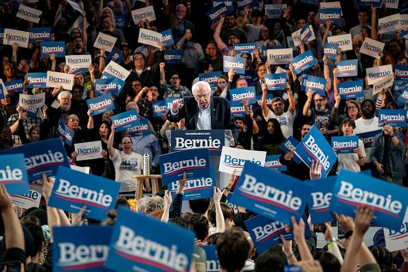Bestof「Democratic Presidential Candidate Sen. Bernie Sanders Campaigns In Texas」:写真・画像(5)[壁紙.com]