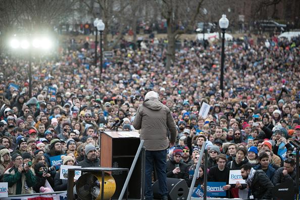 Scott Eisen「Presidential Candidate Bernie Sanders Holds Campaign Rally In Boston」:写真・画像(7)[壁紙.com]