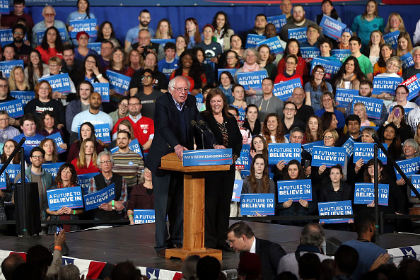 Super Tuesday「Bernie Sanders Holds Super Tuesday Campaign Rally In Vermont」:写真・画像(5)[壁紙.com]