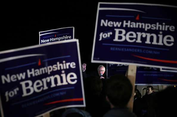 Alex Wong「Bernie Sanders Campaigns in New Hampshire Prior to Upcoming Primary」:写真・画像(1)[壁紙.com]