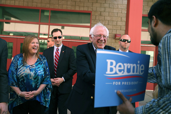 US Democratic Party 2016 Presidential Candidate「Democratic Presidential Candidate Bernie Sanders Campaigns In Nevada Ahead Of State's Caucus」:写真・画像(16)[壁紙.com]